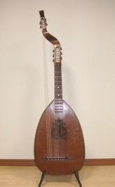 リュートギター